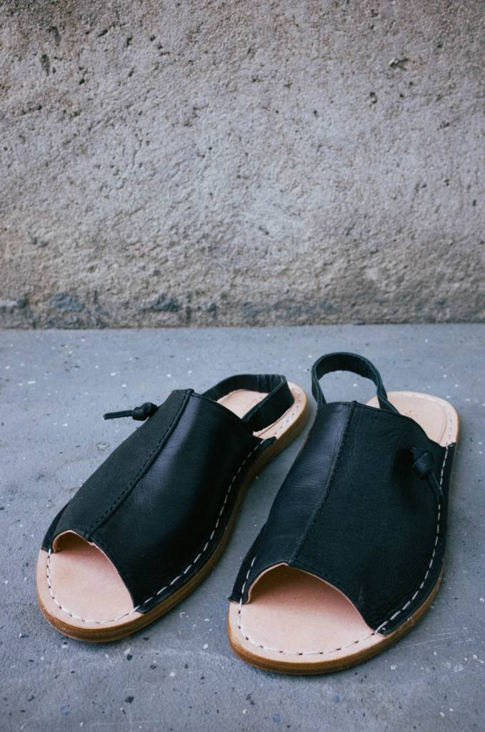 Handmade leather slide sandal with centre seam detail