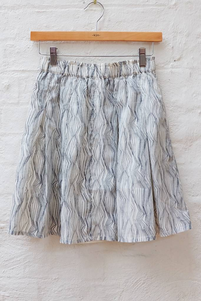 Fine line printed flared skirt with elastic waist