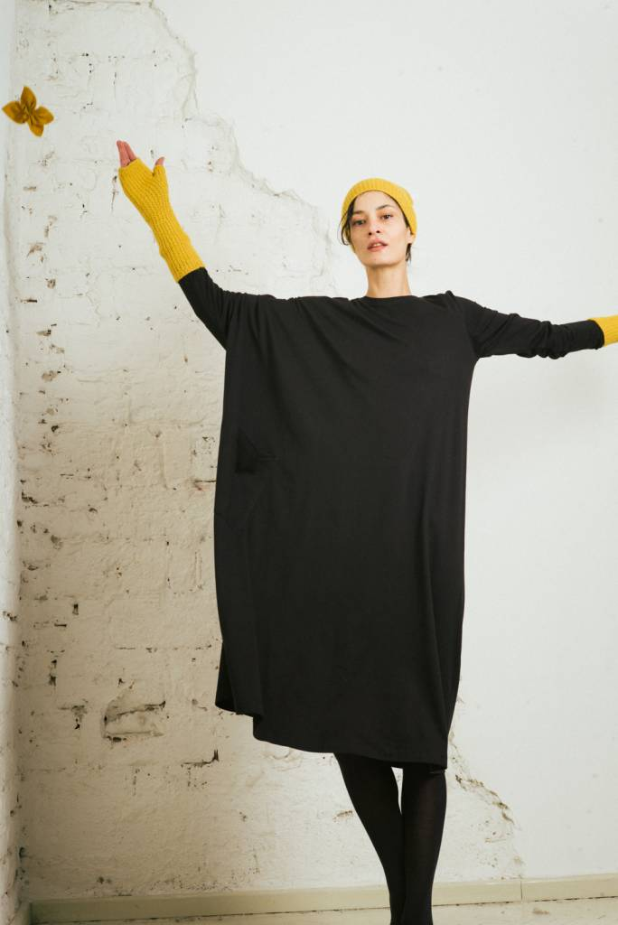 Asymmetrical Tee dress in black cotton jersey