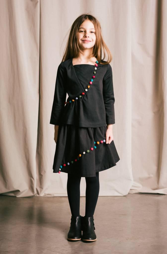 Easy embellished skirt with elastic waist, organic cotton sateen.