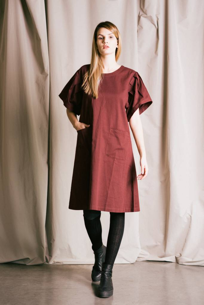 Easy fit cotton twill dress with pleated 3/4 sleeve