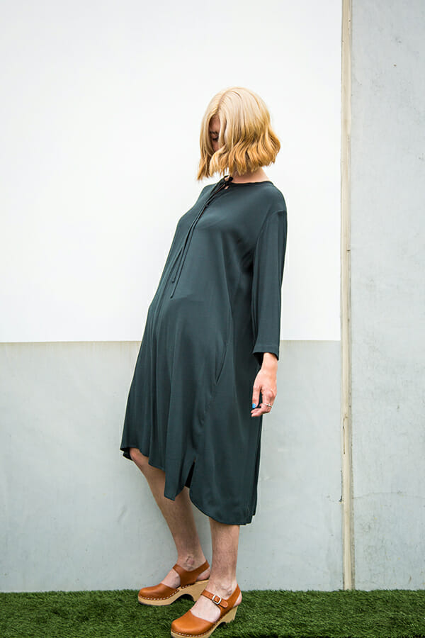 Painter's Tunic in drapy viscose crepe with long sleeves, tie closure at neck and back pleats