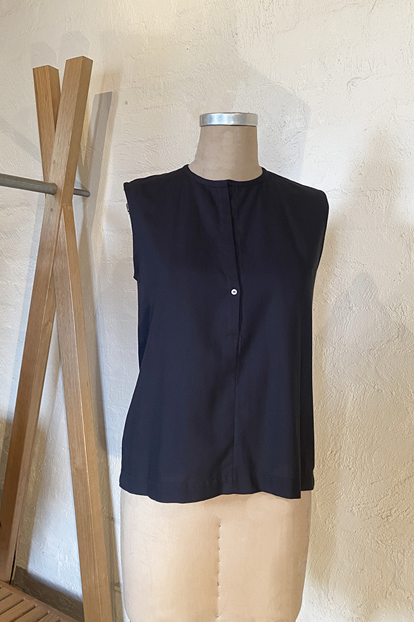 cotton crepe sleeveless top