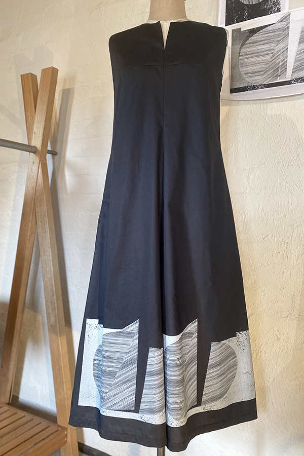 summer cotton twill dress with placement print