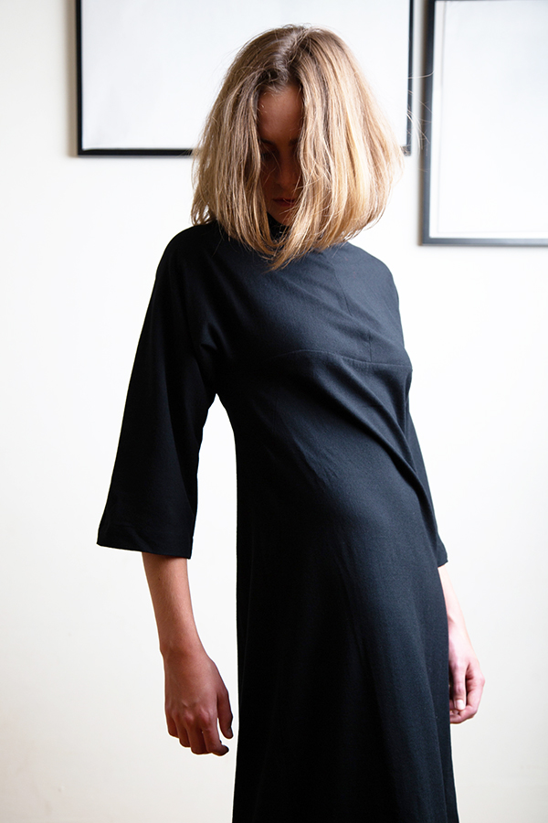 wool dress in merino knit with slim fit and wide sleeves
